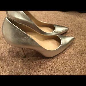 Beautiful silver Charles David heels size 81/2